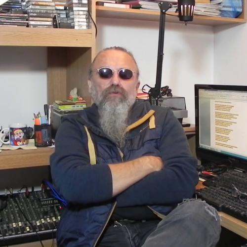"Video/Povestea lui ""poetry.channel10"". Episodul 1"