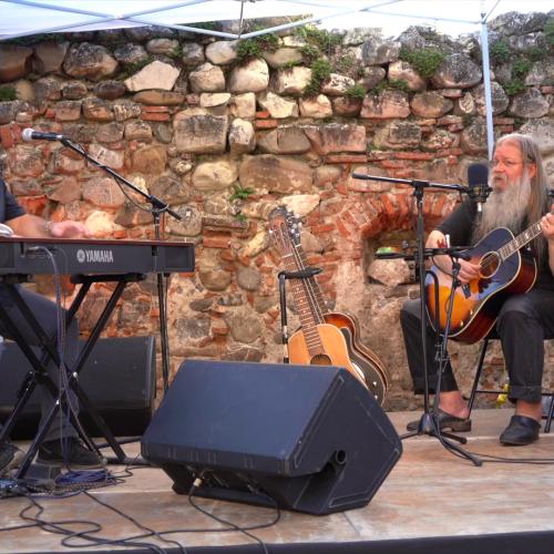 Video/Vali Răcilă & Raul Kușak vor veni la October Blues Fest